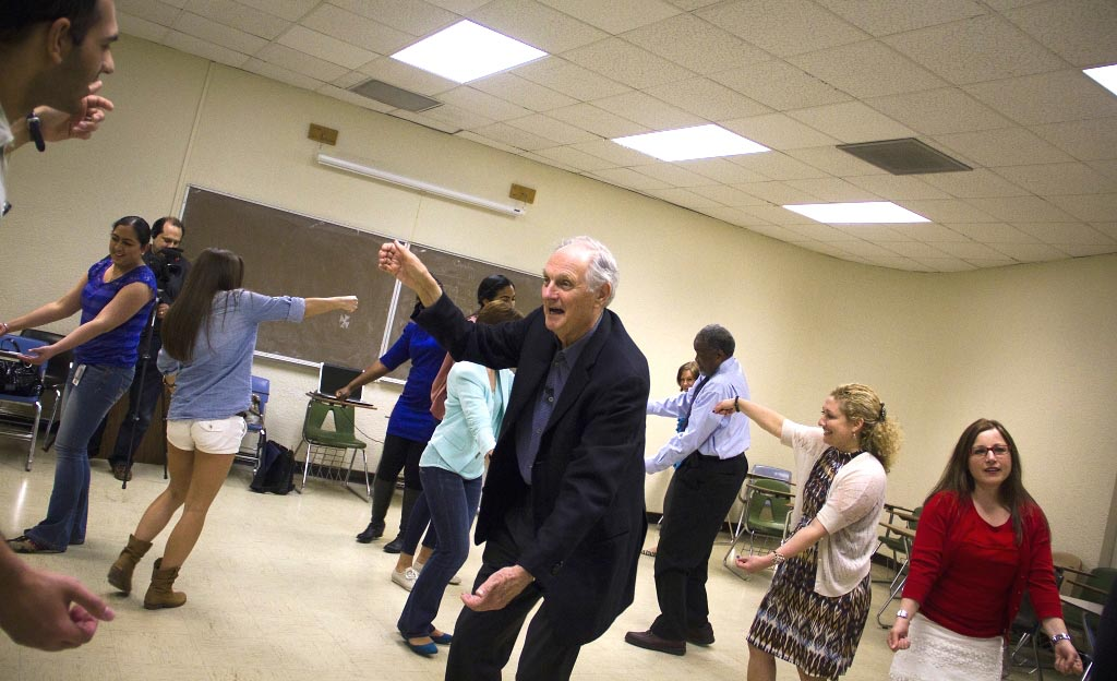 Alan Alda works with a group of medical students to improve their improv technique. Photo credit: The Alan Alda Center.